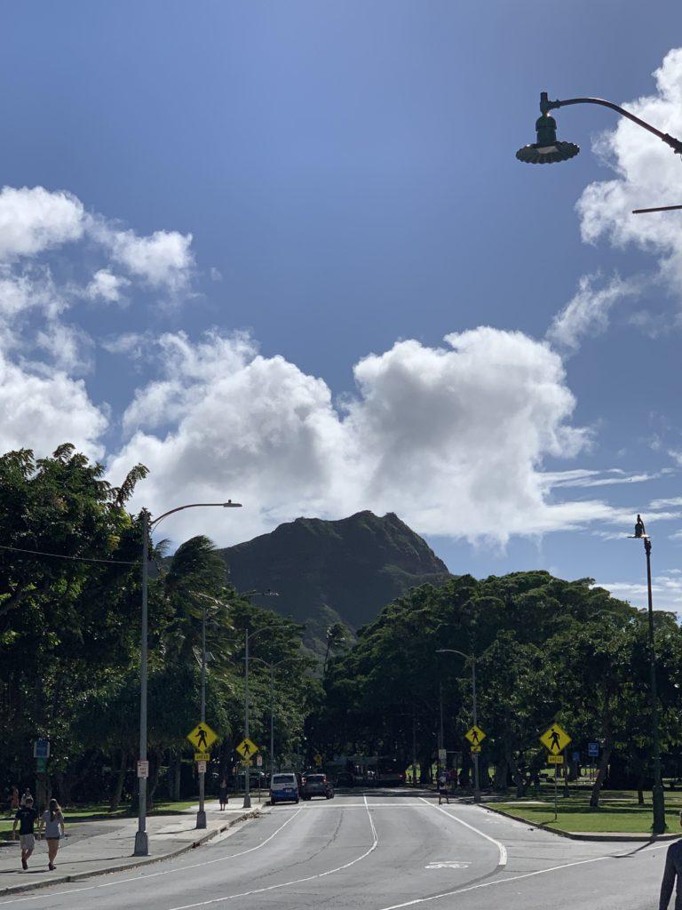 Waikiki_Beach_Diamond_Head_View