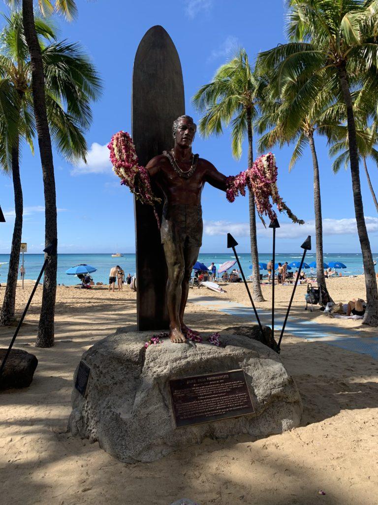 Waikiki_Beach_Duke_Paoa_Kahanamoku_Statue